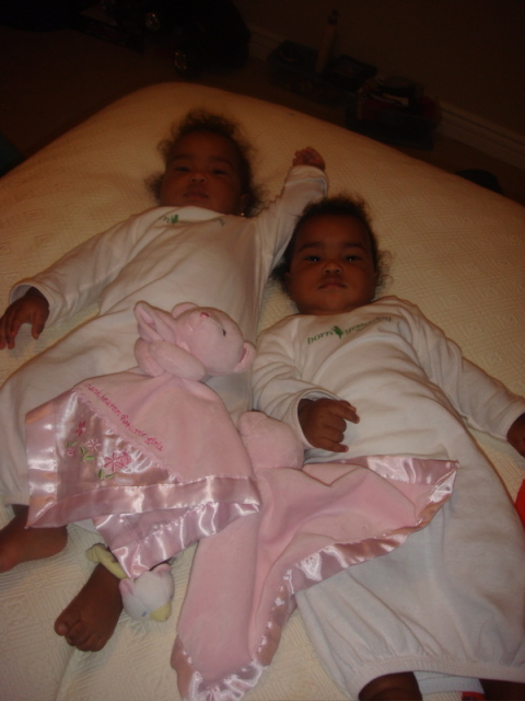 Take a look at the cuteness (and a little chubby) of Diddy's twins D'Lila