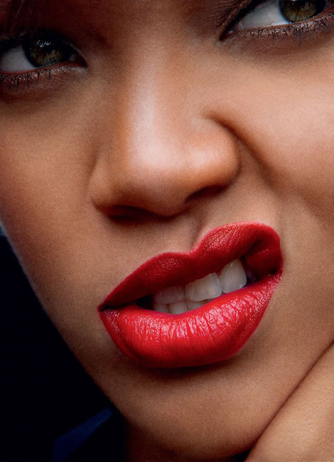 rihanna hot wallpaper. gomez hot wallpapers 2011.